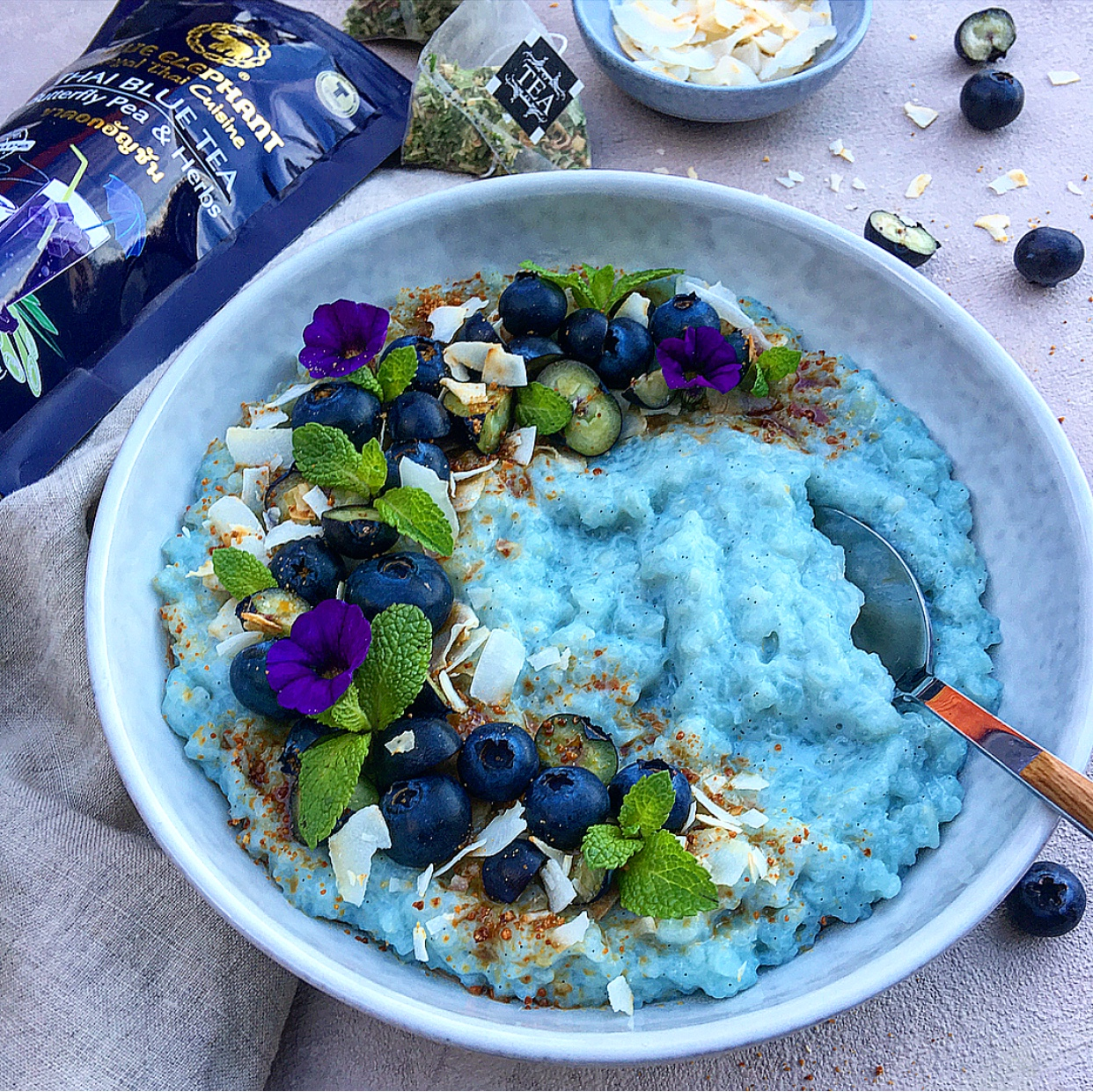 Are you ready for a serious cozy and creamy blue rice pud? I know I am!